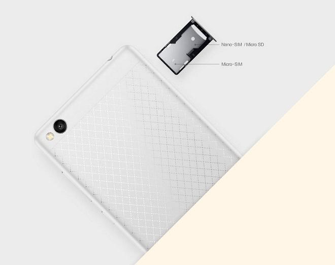 Предусмотрена возможность единовременного использования либо двух сим-карт, либо одной в сочетании с Micro-SD
